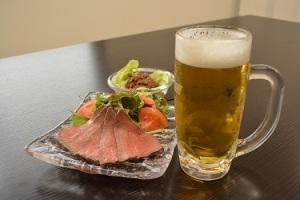 ローストビーフ と生ビール