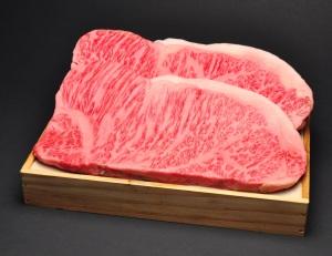 松阪牛ステーキ 木箱入りギフト