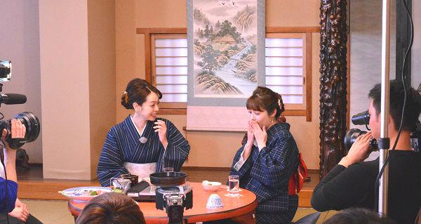 松阪 牛牛トロすき焼き&中山エミリさん・遊井亮子さん